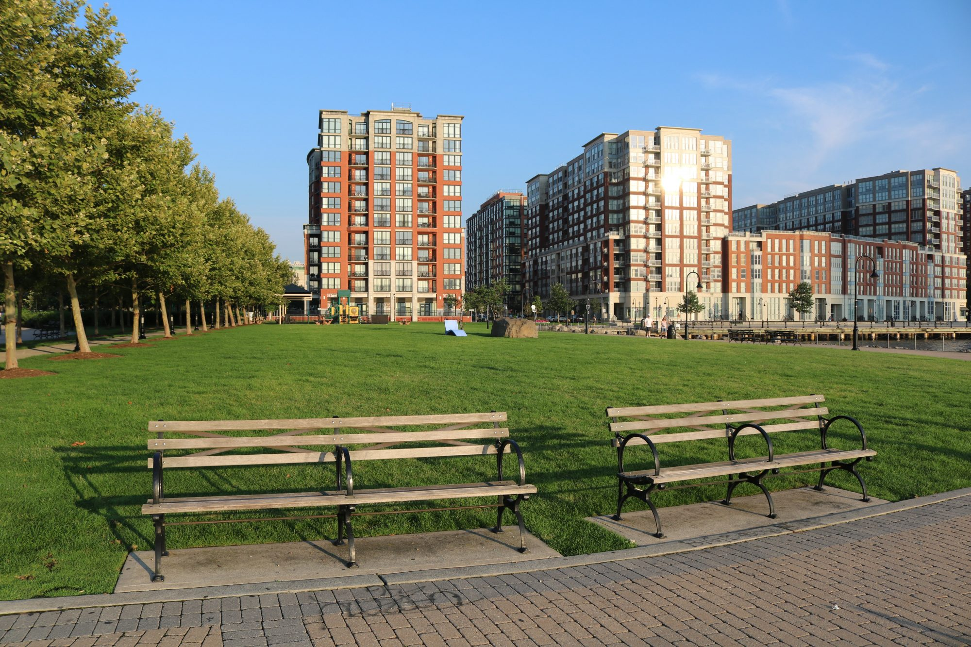 Maxwell Place Peninsula Park Project Image